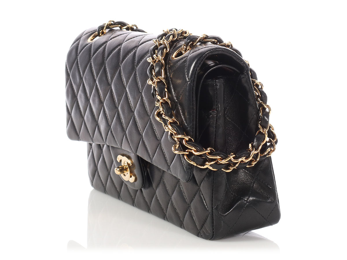 d19c667a62c1 Chanel Vintage Medium/Large Black Quilted Lambskin Classic Double Flap