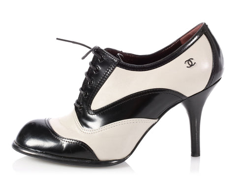 Chanel Black and White Oxford Heels