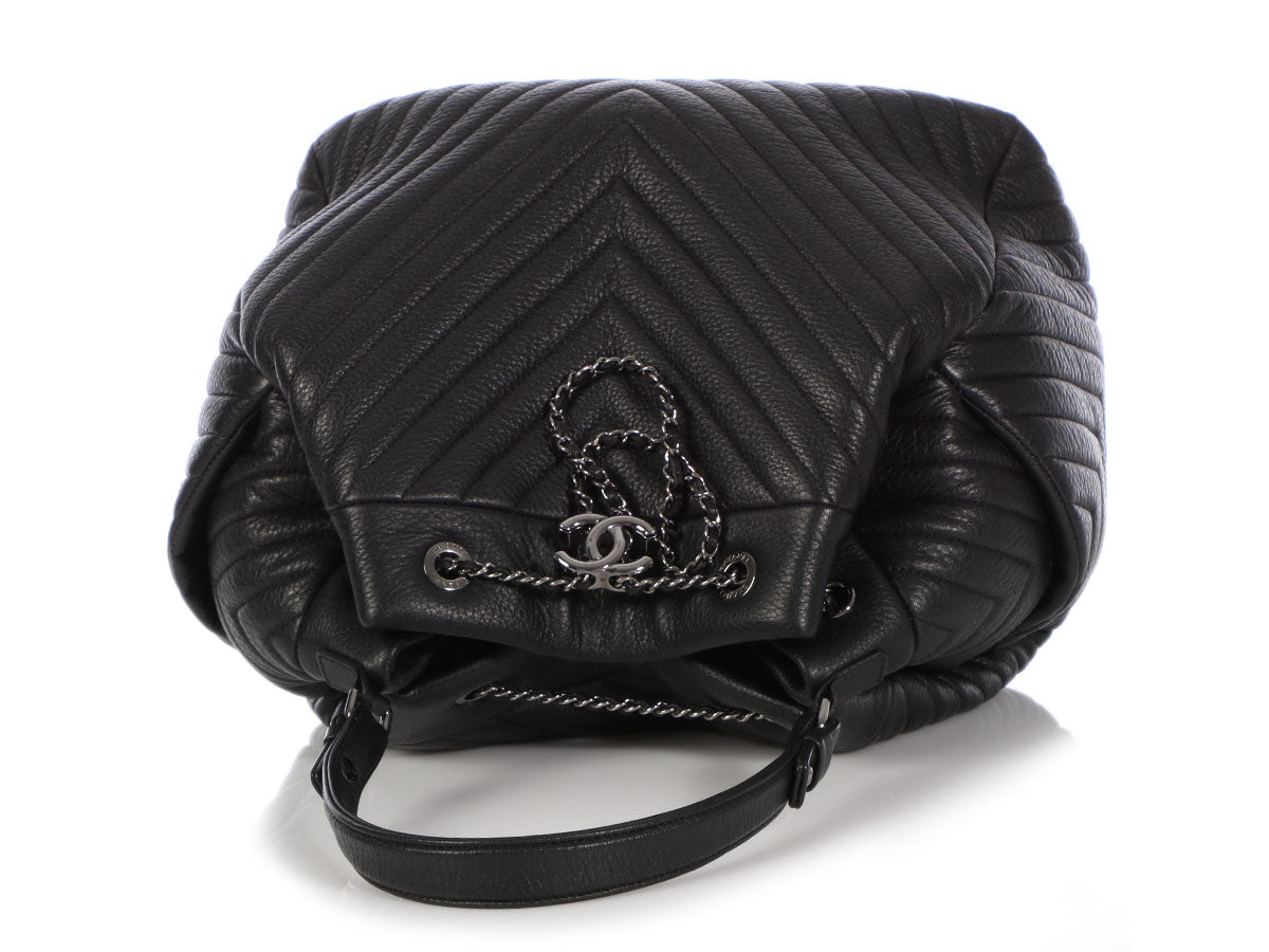 583a0f5e7be2 Chanel Black Chevron-Quilted Deer Drawstring Bag