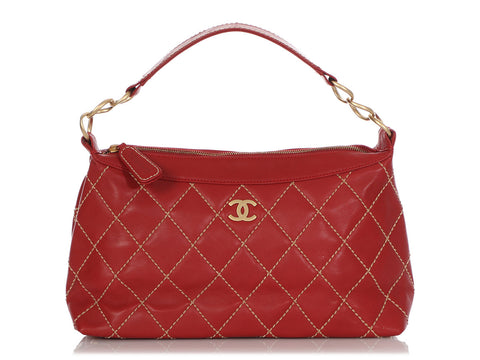 Chanel Red Diamond-Stitched Calfskin Shoulder Bag