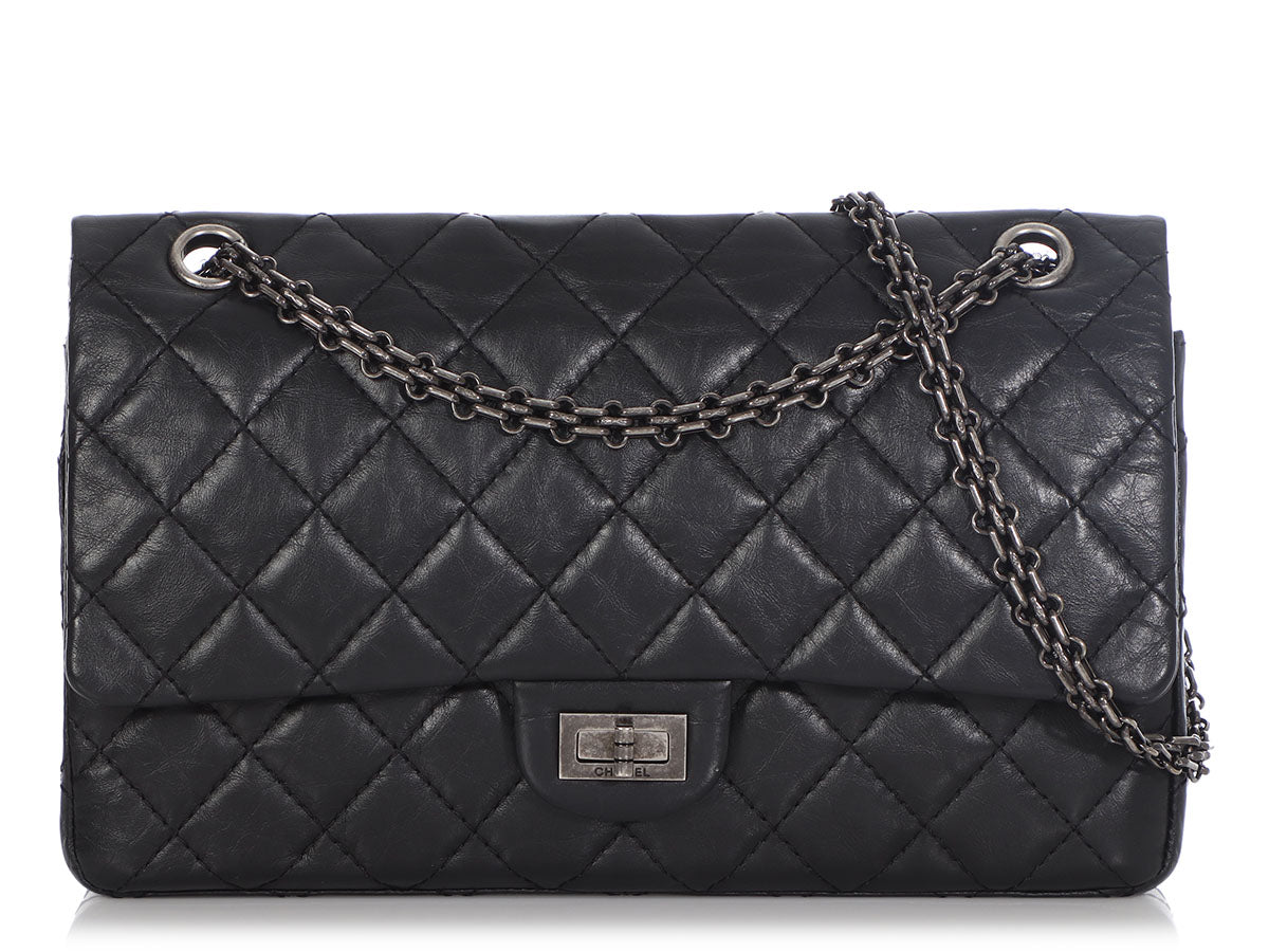 Chanel Black Quilted Aged Calfskin 2.55 Reissue 226