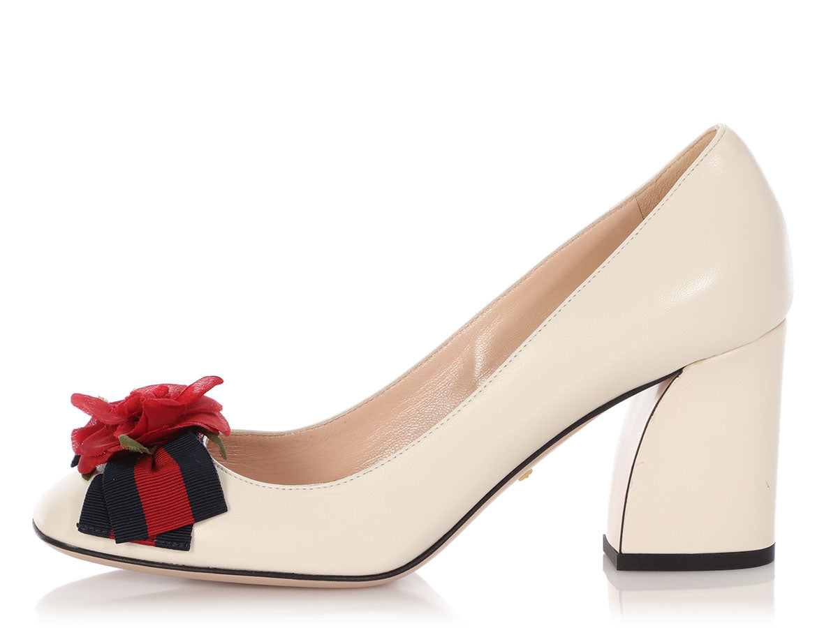Gucci White Leather Pumps