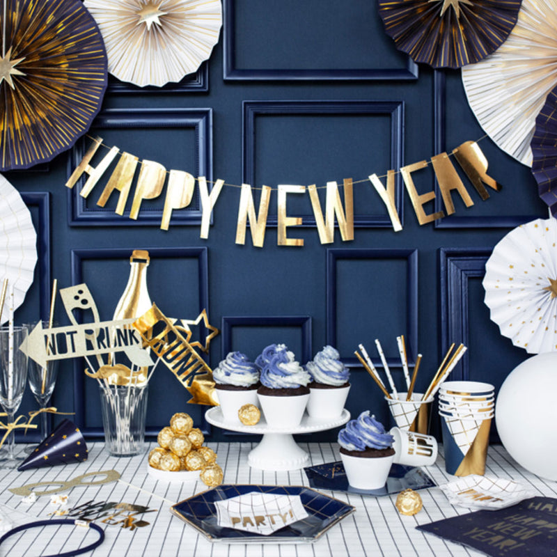 How to celebrate New Year's Eve at home