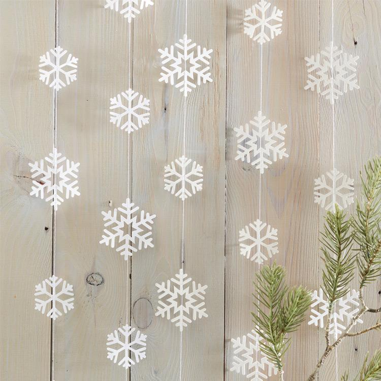 White Snowflake Backdrop Garland
