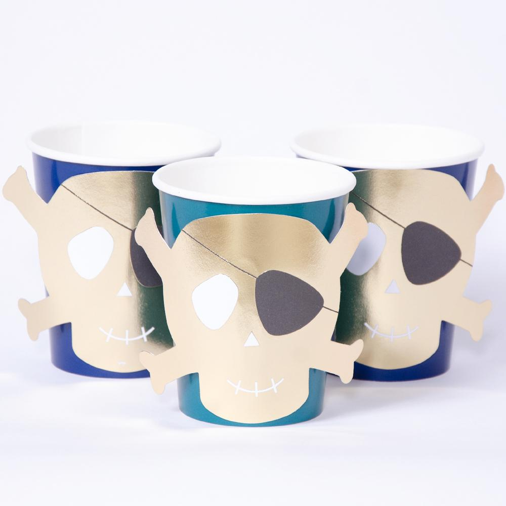 3 pirate-themed party cups featuring a glimmery gold foil skull and crossbones design