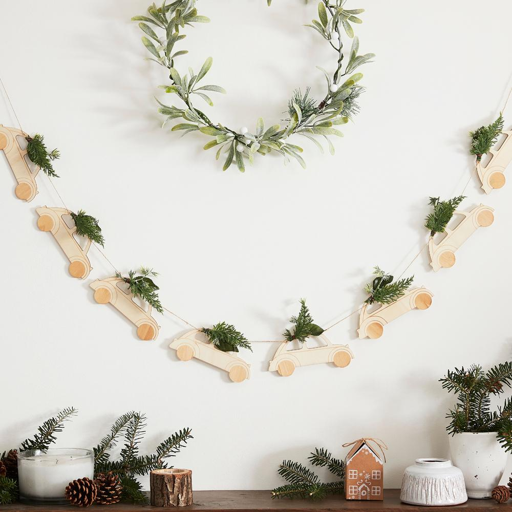 Car with Foliage Wooden Bunting