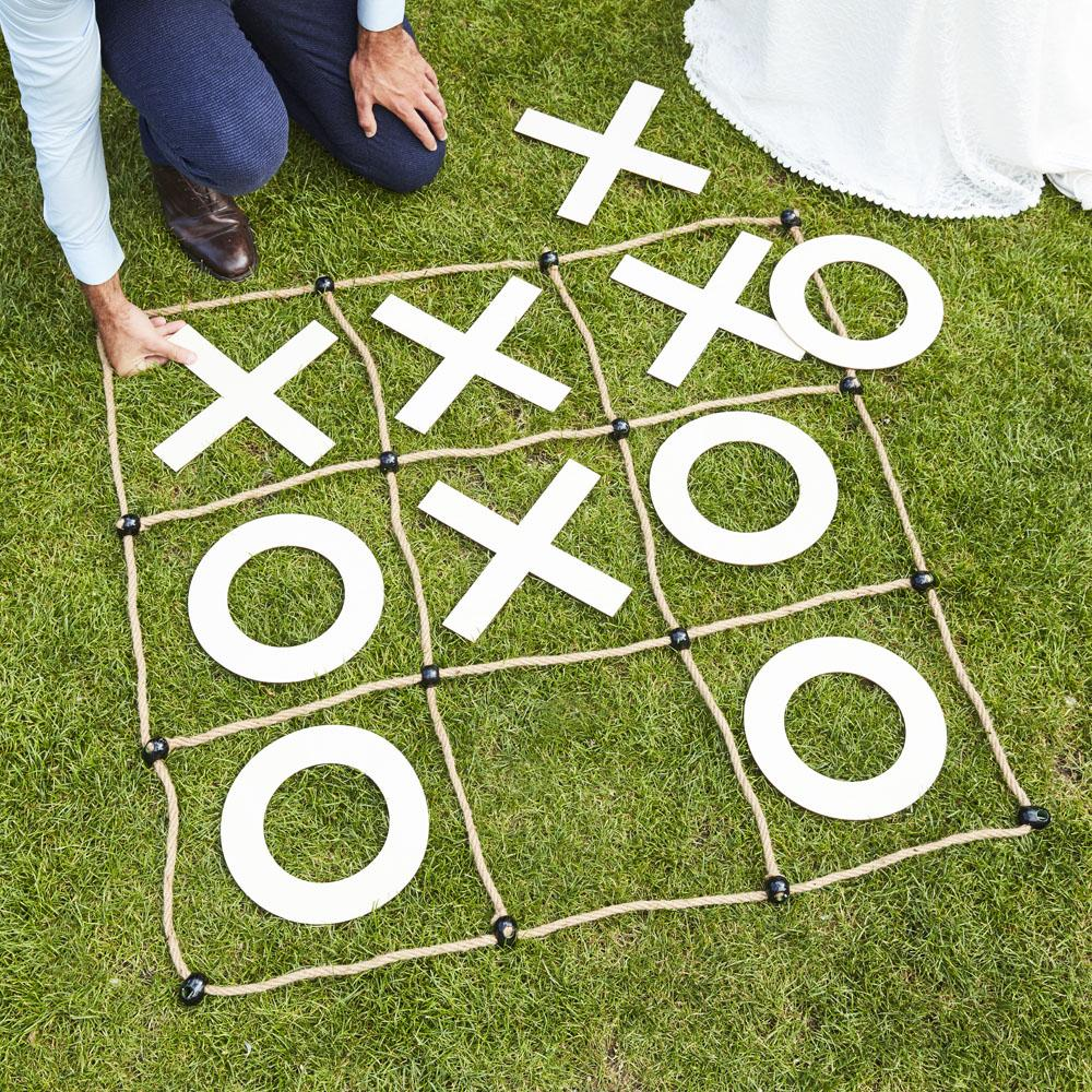 Botanical Wood & Rope Outdoor 'O & X' Game