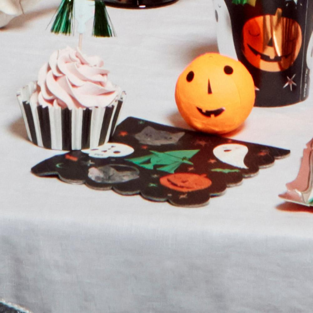 Halloween Motif Small Napkins (x16)