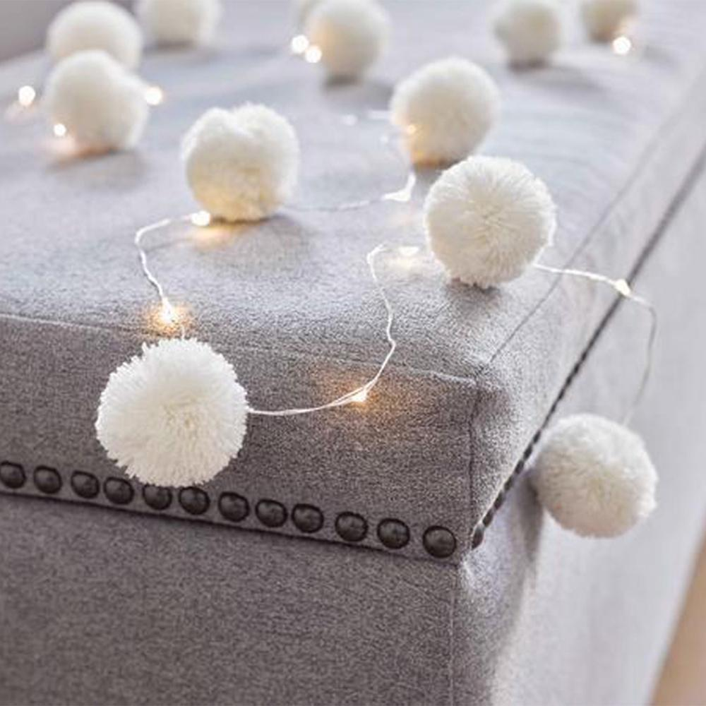 White LED Pom Pom Lights (2m)