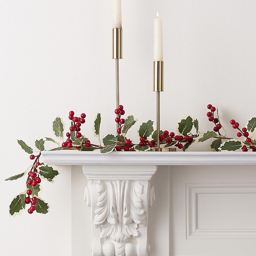 Holly and Berries Foliage Garland (1.8m)