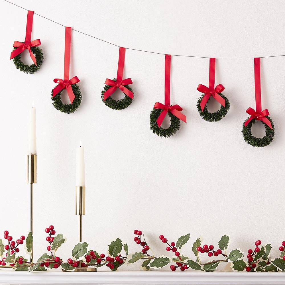 Hanging Christmas Wreath Bunting