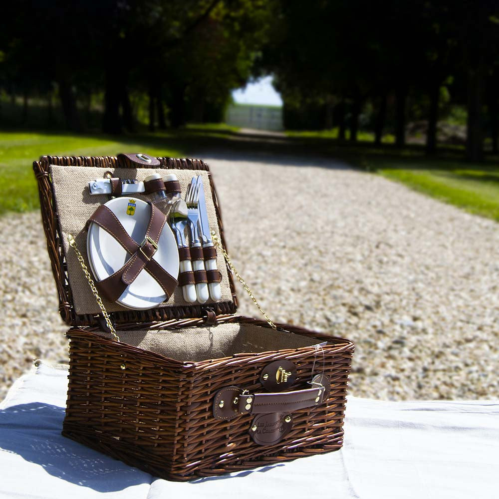 Wicker Picnic Basket Set for 2 People (Includes Plates, Cutlery & Glasses)
