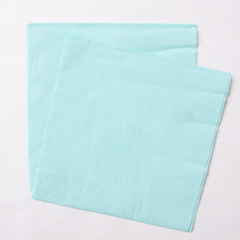 2 mint-coloured paper party napkins
