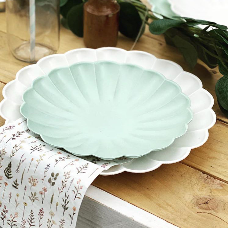 Simply Eco - Cream Large Scalloped Party Plates (x8)