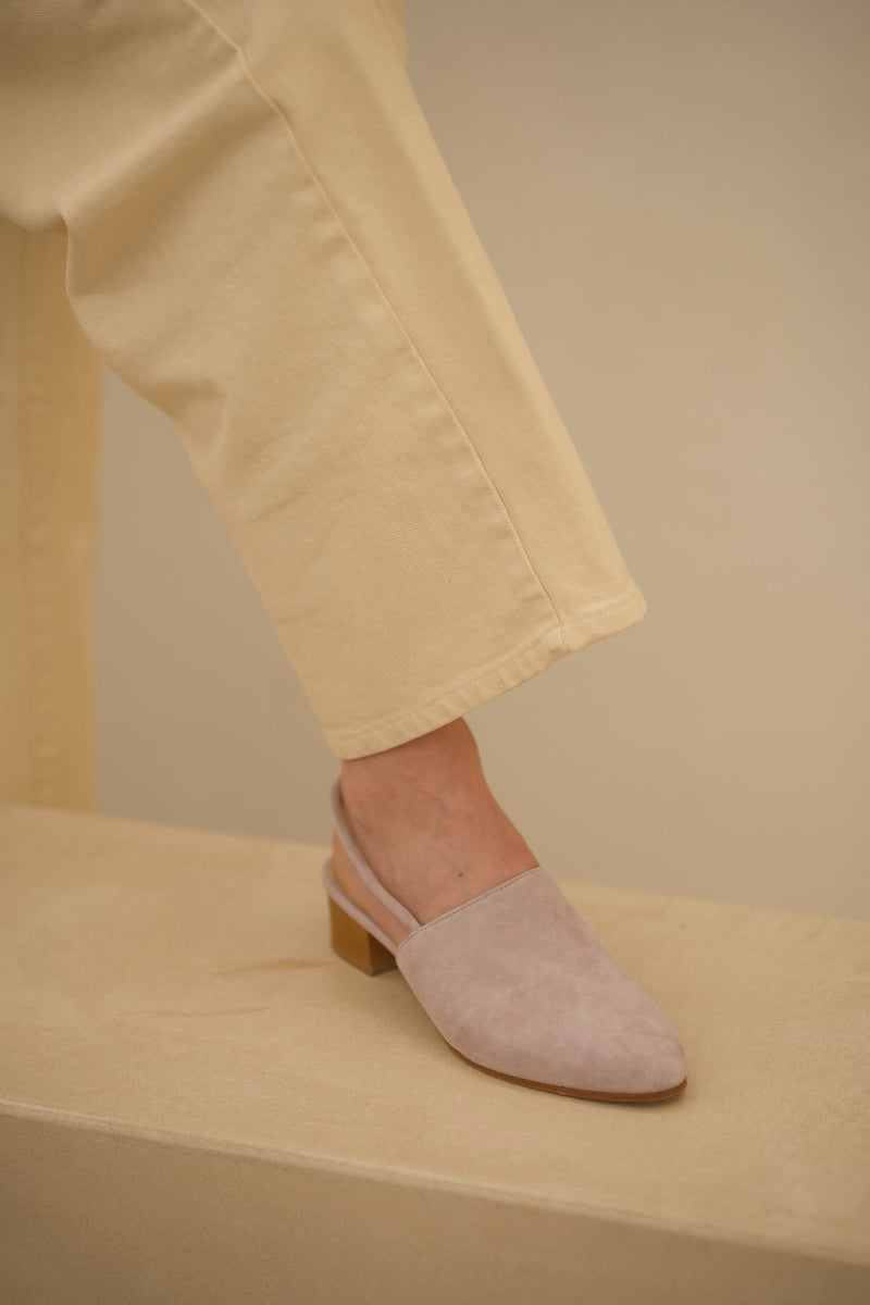 Williamsburg Suede Silver Peony / Size 37
