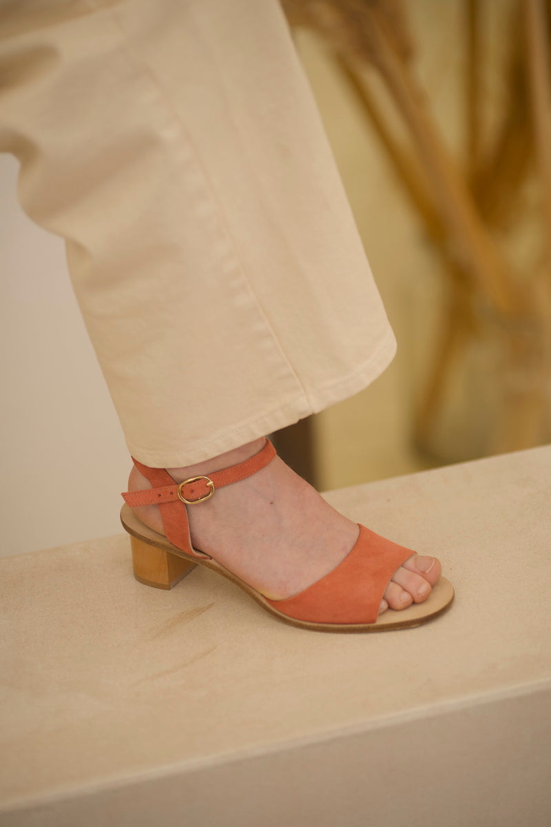 Emily Sandales Suede Rosa / size 37