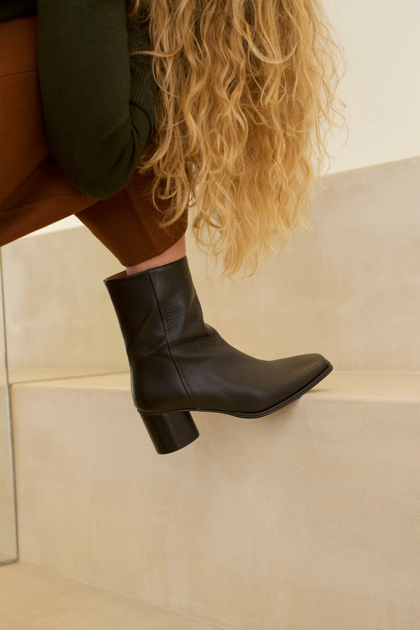 Simon Boots Black - Soon in stock