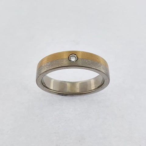 Diamond 9ct Gold & Titanium Ring
