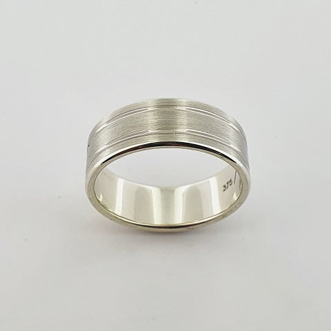9ct & 18ct White Gold Ring