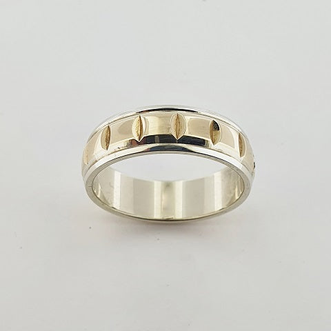 9ct White & Yellow Gold Engraved Ring