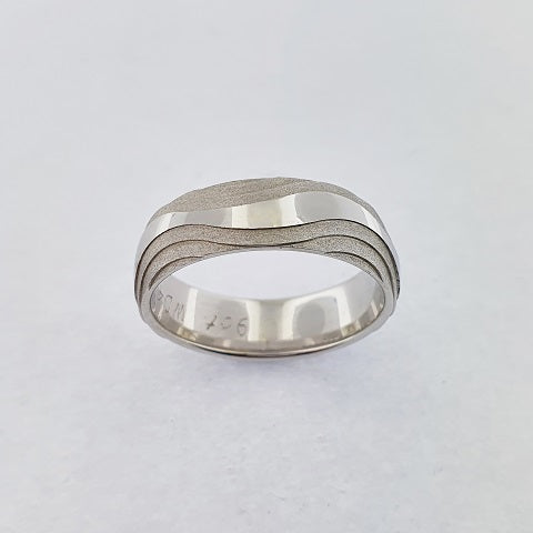 9ct White Gold Wave Ring