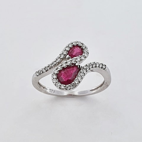 Ruby & Diamond 9ct Gold Ring