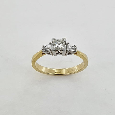 Diamond 18ct Gold Three Stone Ring