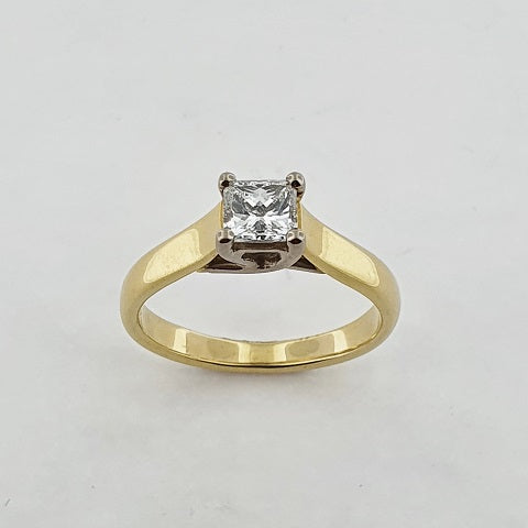 Diamond 18ct Gold Solitaire Ring
