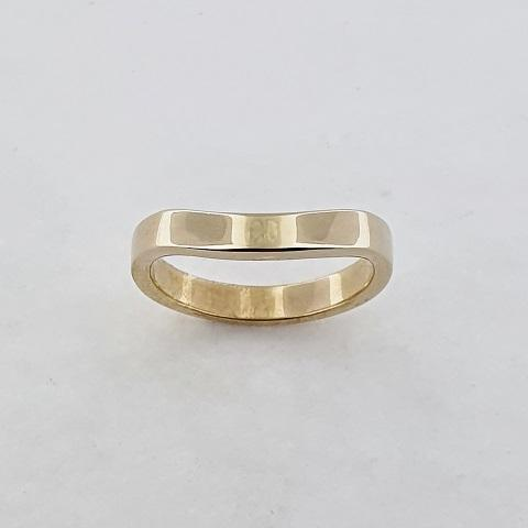 9ct Yellow Gold Curved Ring