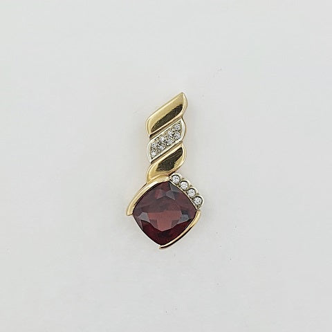 Rhodolite Garnet & Diamond 9ct Gold Pendant