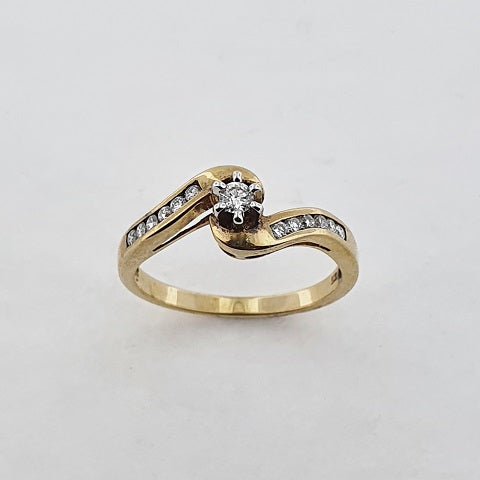 Diamond 9ct Gold Twist Ring