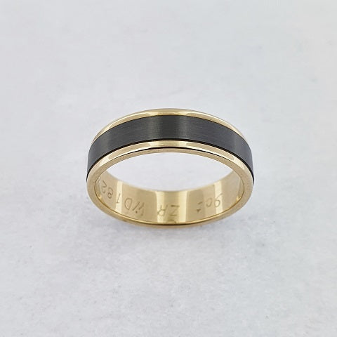 Zirconium and 9ct Yellow Gold Ring