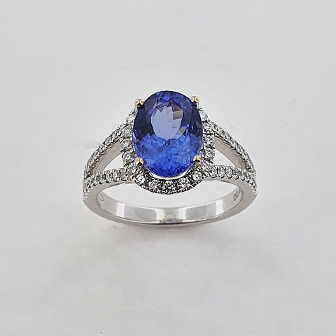 Tanzanite & Diamond 18ct Gold Ring