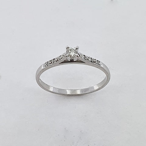 Diamond 9ct Gold Solitaire Ring