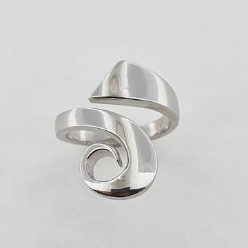 9ct White Gold Koru Ring