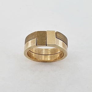 9ct Yellow Gold Interlocking Ring