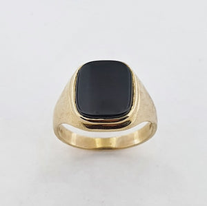 Onyx 9ct Yellow Gold Signet Ring