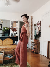 Load image into Gallery viewer, Linen Halter-Style Jumpsuit