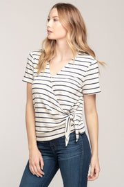 WEEKEND LOVE WRAP TOP