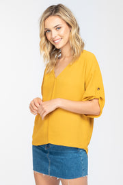 IN THE BREEZE V NECK TOP