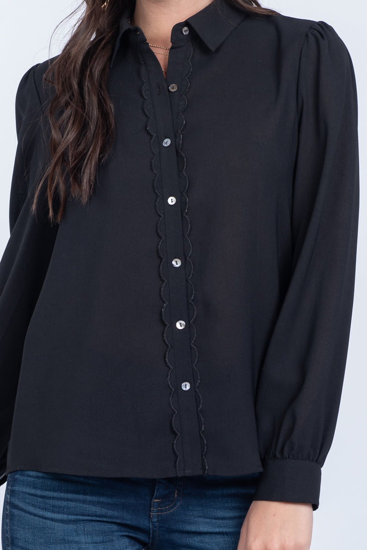 SWEET AS A PEA BLACK SCALLOP BUTTON-UP TOP