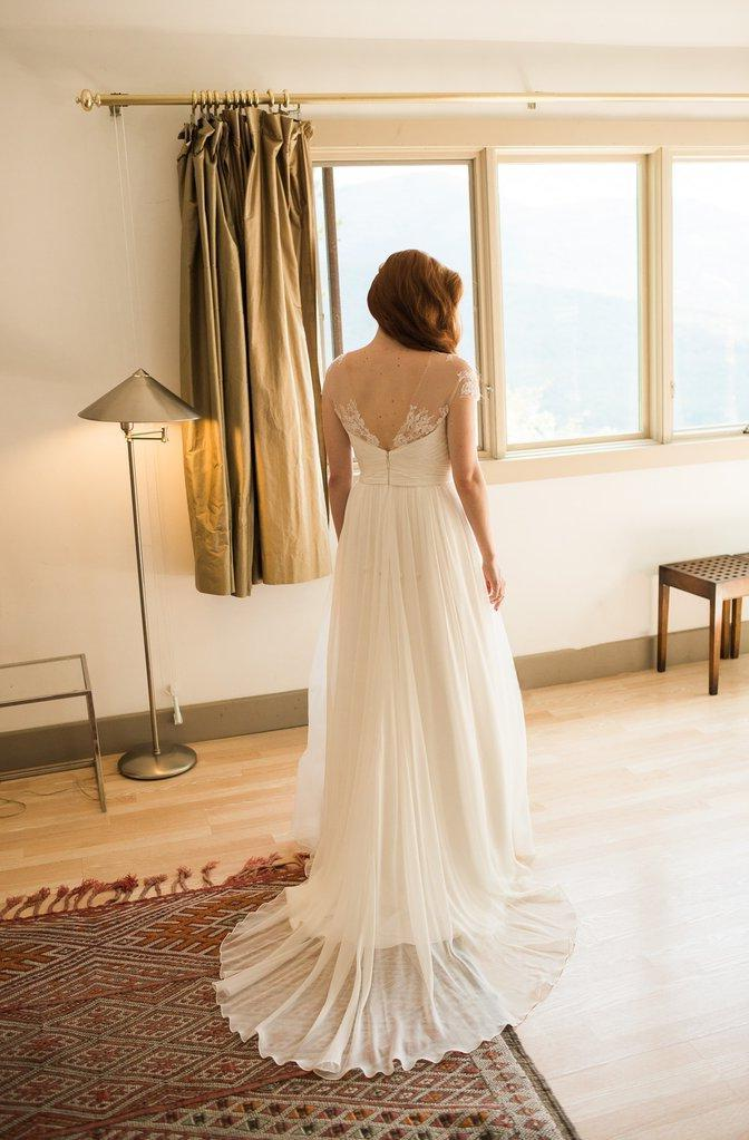 2020 Cheap A Line Chiffon Long Train Sweetheart Capped Sleeves Lace Wedding Dresses