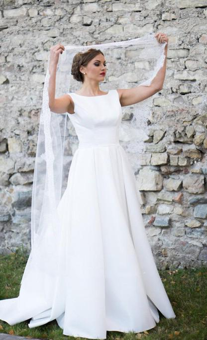 Classic A Line Backless White Sleeveless Satin Long Wedding Dresses 2020