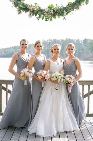 2020 Cheap A Line Chiffon Silver Long V Neck Bridesmaid Dresses / Gowns