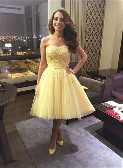 Princess/A-Line Strapless Above-Knee Daffodil Tulle Homecoming/Prom Dresses with Appliques