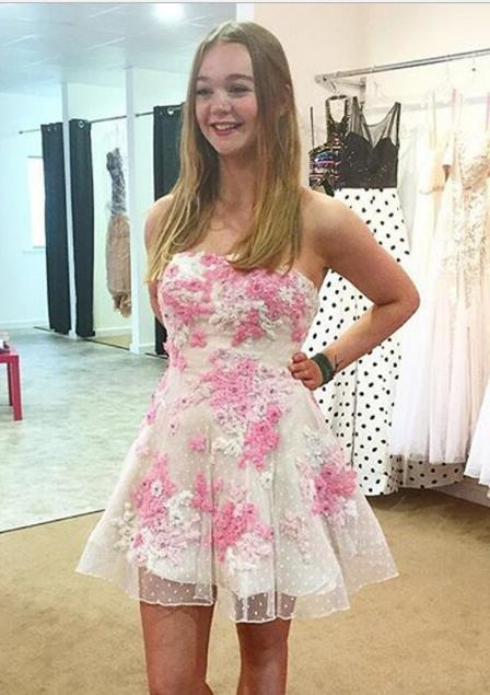 A-Line Strapless Short White Lace Homecoming Dress 2021 with Appliques