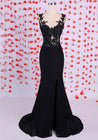2020 Junoesque Black Sleeveless Natural Appliques Split Front Column/Sheath Prom Dresses