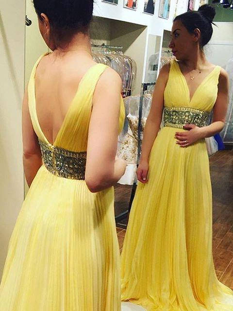 V-Neck Beading Backless Pleats A-Line/Princess Chiffon Yellow Prom Dresses