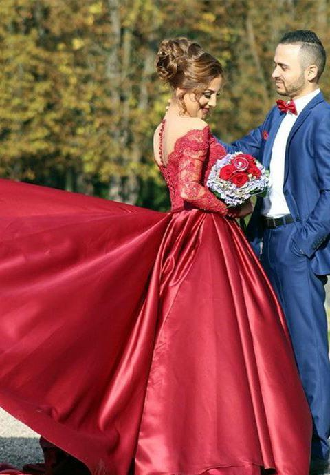 2020 Gorgeous Red V-Neck Long Sleeve Beading Sweep/Brush Train Satin Prom Dresses