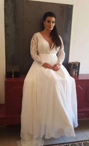 2021 Charming Beach Style Chiffon A Line Lace Applique Long Sleeve V Neck Plus Size Wedding Dresses